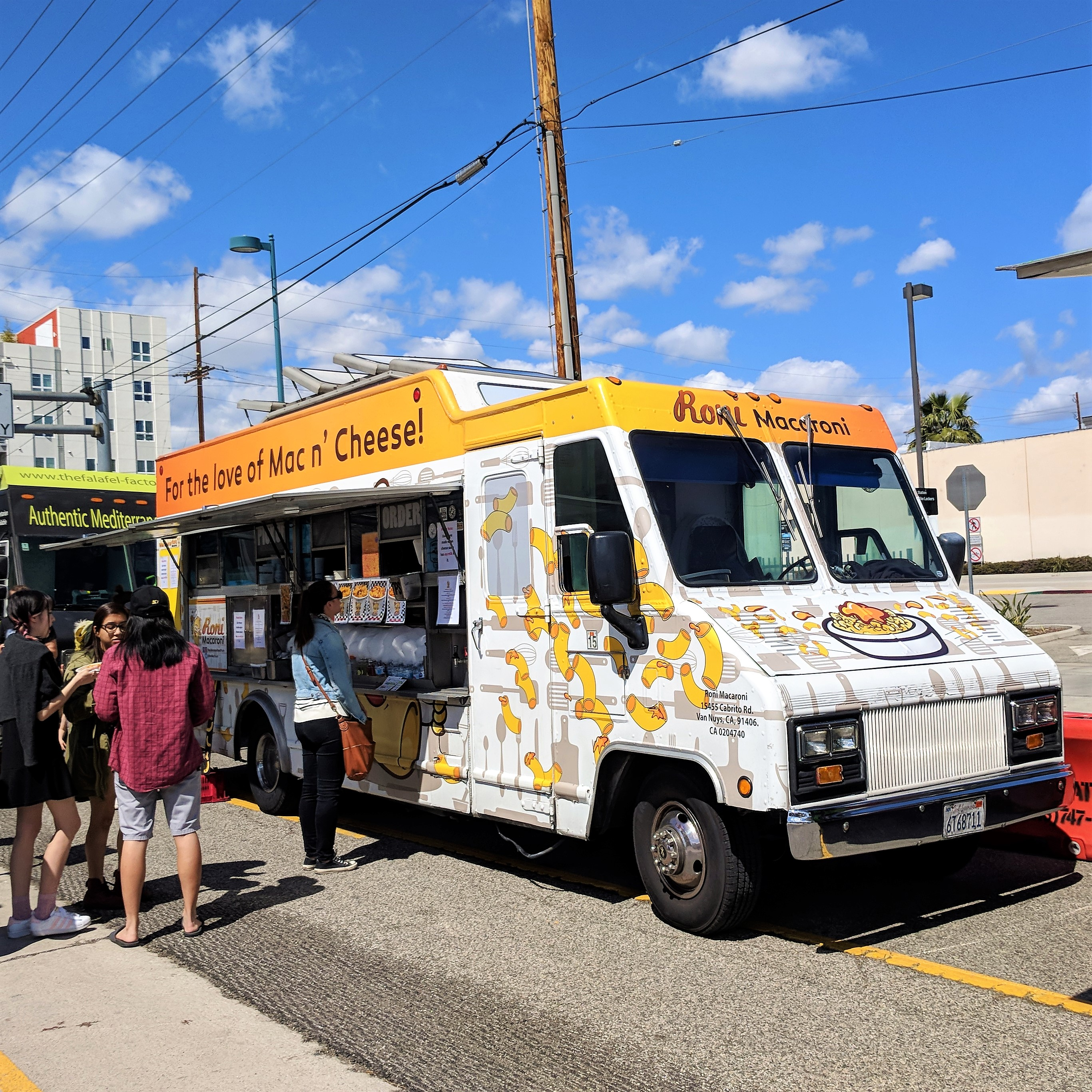 Roni Macaroni food truck - Foodzooka