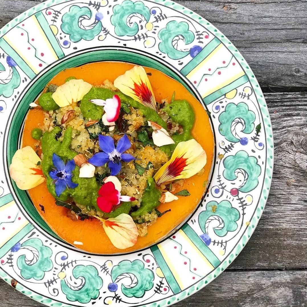 Om Rishikesh (butternut squash drizzled with cilantro chutney and flowers) - Foodzooka