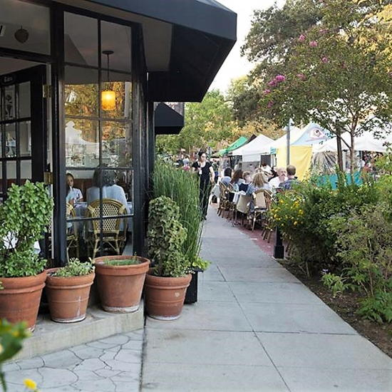 Bistro de la Gare (courtesy) - Dining next to the South Pasadena Farmers Market