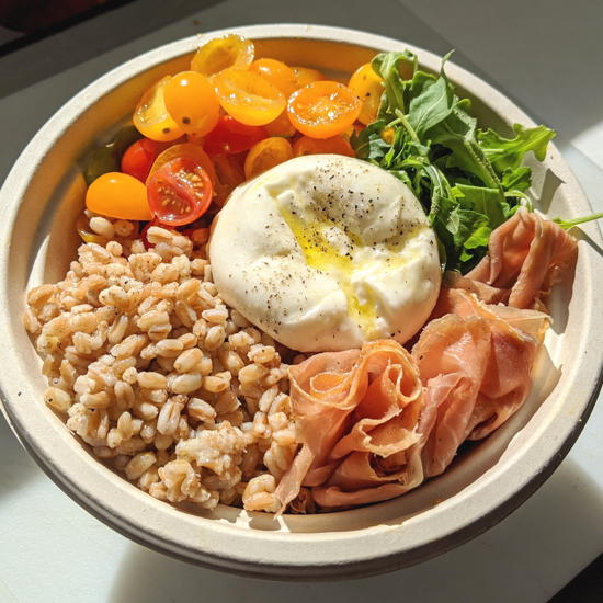 Burrata House - Crudo farro bowl (Foodzooka)