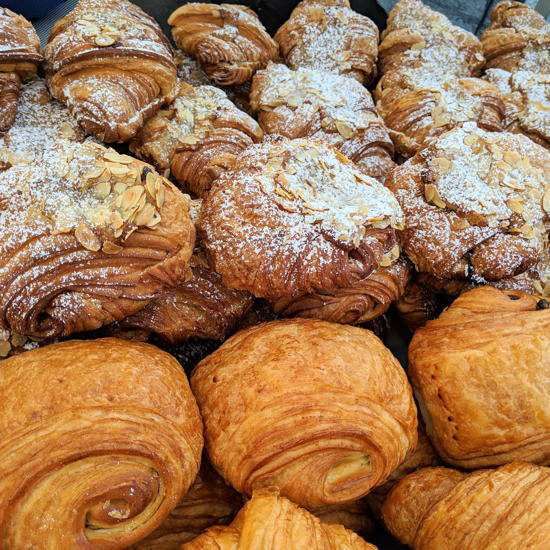 Frogs Bakery - Almond croissants (Foodzooka)