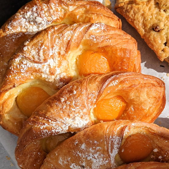 Frogs Bakery - Apricot danish (Foodzooka)