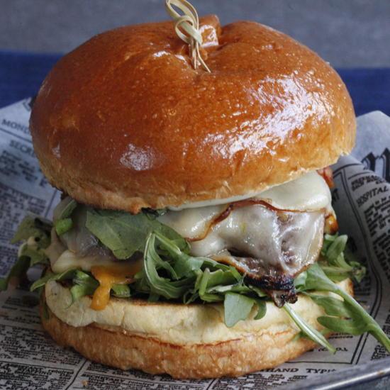Plate 38 - Mozzarella Burger (Leslie Rodriguez Photography)