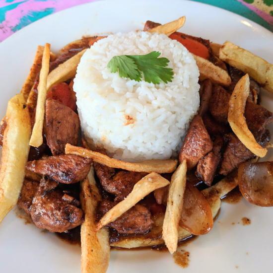 Qusqo Bistro - Lomo Saltado (Foodzooka)